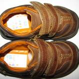 Нові Кросівки повністю шкіряні Clarks First Shoes Оригінал Вєтнам р.5.5 G стелька 14 см