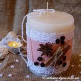 Толстая свеча ручной работы