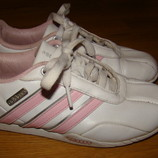 Кроссовки Adidas р.33-344 21 см по стельке в отличном состоянии