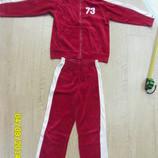 Спортивный велюровый костюм 122- 128 см.