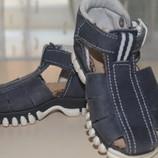 Итальянские , кожаные сандалики.