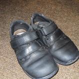 Ботинки кожаные мальчику на двух липучках размер 31,32,