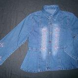 красивая джинсовая рубашка с вышивкой на 6-7 лет