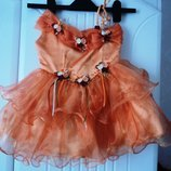 Фирменное нарядное праздничное платье на 1-3 годика