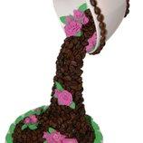 Парящая чашка с кофе и розочками