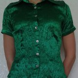 Атласная блуза теплого изумрудного цвета, разм. S