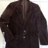 Німецький вільветовий піджак на стрункого чоловіка.