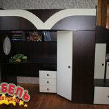 Детская кровать-чердак с рабочей зоной, угловым шкафом и лестницей-тумбочкой кт3