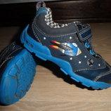 кроссовки кеды мокасины Clarks кожаные для мальчика мигают 14,4 см