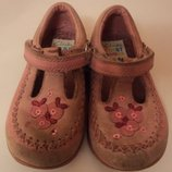 Туфли Clarks размер 21-22 5,5-й р. примерно на 2 года