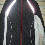 Спортивная демисезонная куртка на флисе женская