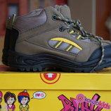 Ботинки демисезонные защитные для мальчика новые р. 28,29,30,33,34