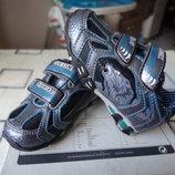 Новые демисезонные кроссовки с мигалками. Р. 21, 22 стелька 13,5 см 14 см