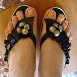 Шлепки босоножки черные лаковые на каблучке 38 размер
