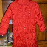 Стильная длинная куртка-пальто алого цвета 104-116