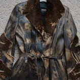 Продам шикарный кожаный плащ-пальто в отличном состоянии р. M