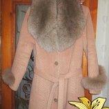 Пальто с шикарным воротом из песца-46 48р-р