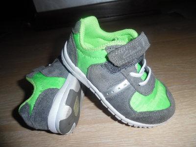 f738c7f6 кроссовки кеды мокасины кожаные Clarks детские СТЕЛЬКА 14 см зеленые серые