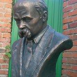 Бюст Шевченко