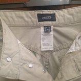 Светлые джинсы Mexx с вышивкой, как новые