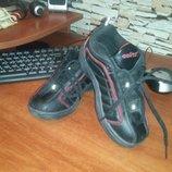 Чёрные новые кроссовки на мальчика размер 30