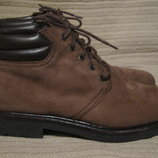 Красивые комфортные ботинки из нубука K SHOES от Clarks. Англия. 43 р