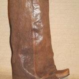 Оригинальные кожаные сапоги с глубоким отворотом. Irregular Choice