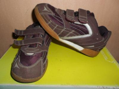 кроссовки 32,33 размер, фирма Geka, очень легкие и удобные, стелька 20,5 см. Германия