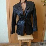 Кожанный пиджак-курточка на 44-46 размер состояние нового