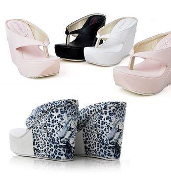 Женские лаковые туфли на танкетке мисс секси