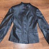 Кожаный пиджак, р. 36-38 состояние нового