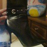 продам новые красивые ботиночки 39р