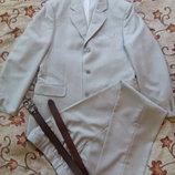 Красивый серо-песочный нарядный костюм в идеальном состоянии