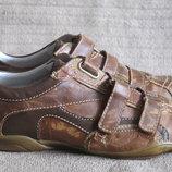 Безукоризненные кожаные кроссовки в стиле used look - Freemood. Италия. 42 р.