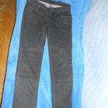 Джинсы черного цвета Sisley р.46-48