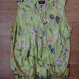 Бронь Снизила цену Шикарная салатовая атласная блузка wallis М- размера .