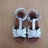 босоножки детские вьетнамки шлепанцы 17,5 см стелька Clarks Кларкс