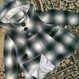 Продам шерстяное пальто на девочку 3-4 лет