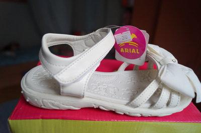 Босоножки для девочки, белый цвет, новые, 25,27,29,31 размер