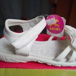 Босоножки для девочки, белый цвет, новые, 27 размер
