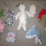 маленькие фирменные игрушки, зверьки внутри шарики,кукла