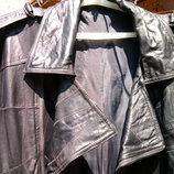 Коротка кожана курточка