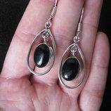 Прекрасные серьги с черным ониксом в серебре