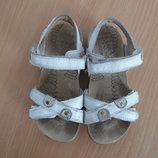 босоножки детские вьетнамки шлепанцы 16,7 см стелька Clarks Кларкс белые