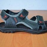 мужской сандаль