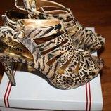 Шикарные босоножки на каблуке Леопардовые