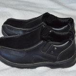 Продам кожаные туфли на мальчика,размер 12