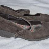 Продам замшевые туфли,Marks&Spencers,размер 13
