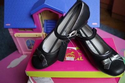 Туфли для девочки новые чёрные размеры 31, 32, 33, 36