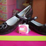 Черные туфли для девочки, новые, размер 32